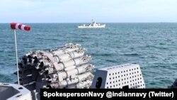 Tàu của hải quân Ấn Độ và Việt Nam tập trận trên Biển Đông giữa bối cảnh hai quốc gia đang tăng cường hợp tác trước những quan ngại về hành xử của Trung Quốc trong khu vực