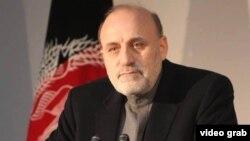 محمد عمر داودزي د کورنیو چارو د وزیر او په ایران اوپاکستان کې د افغانستان د سفیر په توګه هم دنده سرته رسولې ده