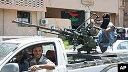 ادعای مخالفین لیبیا مبنی بر پیشرفت ها علیه نیروهای قذافی