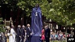 Në Londër përurohet statuja e Presidentit Regan