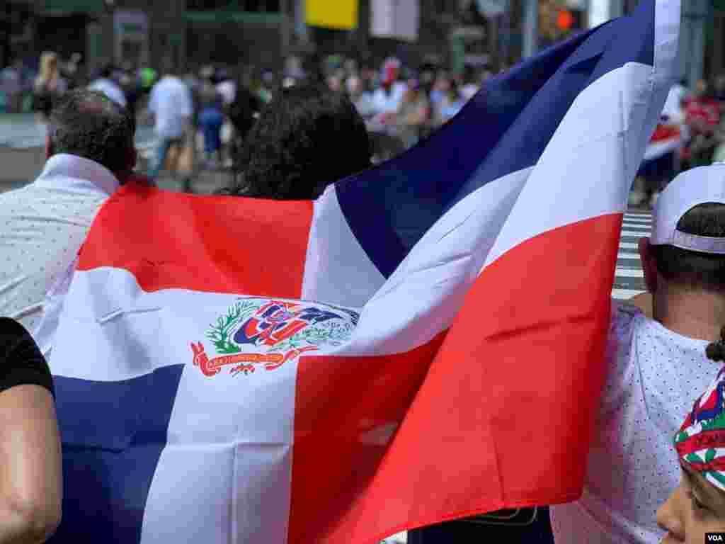 El desfile conocido como la 'Gran Parada Dominicana' es el más importante de la comunidad dominicana en el extranjero. Foto: Jorge Agobian - VOA.