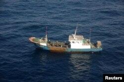 Theo chính phủ Nam Triều Tiên, số tàu cá Trung Quốc trong vùng biển của Nam Triều Tiên mỗi ngày một nhiều.