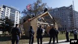 """12 protestues të lëvizjes """"Pushtimi i Uoll Stritit"""" arrestohen në Uashington"""