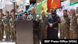 Para pejuang Pasukan Demokrat Suriah (SDF) di Raqqa (foto: dok).