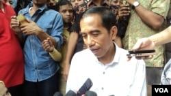 Presiden terpilih, Jokowi didesak untuk membentuk tim kepresidenan yang bertugas menyelesaikan kasus-kasus pelanggaran HAM masa lalu dalam seratus hari pertama kerjanya (foto: dok).