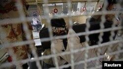 파키스탄 카라치 지역에서 정치 불안 야기 혐의로 체포된 파키스탄인. (자료사진)