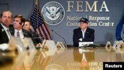 Predsednik Tramp na brifingu agencije FEMA o uraganu Dorijan, 1. septembra 2019.