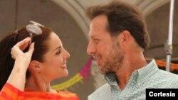 Los actores peruanos de gran trayectoria Rebeca Escribens y Paul Martin integran el elenco.