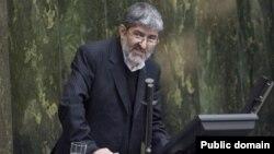 علی مطهری، نماینده فعلی مجلس در میان افرادی است که رد صلاحیت شده.
