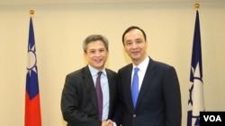 美国在台协会处长梅健华与国民党主席朱立伦会面。 (照片来源:国民党)