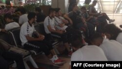 تیم ملی فوتبال افغانستان در میدان هوایی به قصد کمبودیا
