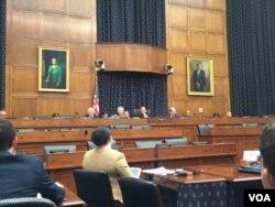 国会众议院外交事务委员会亚太小组委员会就中国的高科技政策对美国形成战略威胁召开听证会。(美国之音萧洵拍摄)