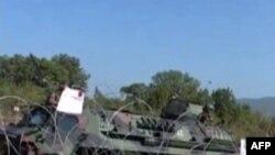 Kosovë: Forcat e NATO-s heqin një barrikadë të protestuesve serbë në Jarinë