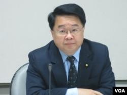 台湾在野党民进党立委吴秉叡(美国之音张永泰拍摄)