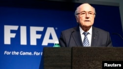 FIFA President Sepp Blatter addresses a news conference at the FIFA headquarters in Zurich, Switzerland, June 2, 2015. (REUTERS/Ruben Sprich)