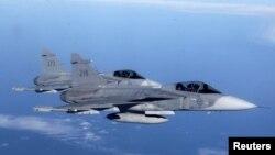 Шведские «Гриппены» над Балтийским морем во время учений НАТО (архивный снимок)