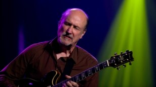FIL E- American jazz guitarist and composer John Scofield perfoms on the Miles Davis Hall stage during the 43rd Montreux Jazz Festival in Montreux, Switzerland, July 14, 2009.