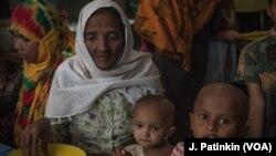 Một gia đình người Rohingya tị nạn ở Bangladesh