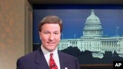 罗杰斯众议员接受美国之音采访(资料照片)
