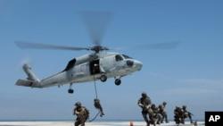 Uma unidade dos SEALS em treino