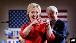 Demokrat partiyasından prezidentliylə namizəd Hillari Klinton