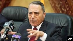 Jordan's prime minister-designate Marouf al-Bakhit delivers a speech in Amman, Jordan (file photo)