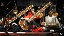 2010-yildan beri Kobulda Milliy musiqa instituti ishlaydi. O'zining orkestri bor.