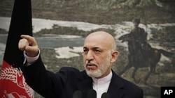 12일 대통령궁에서 기자회견을 가진 하미드 카르자이 아프가니스탄 대통령.