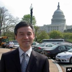 北京大学法学院教授贺卫方