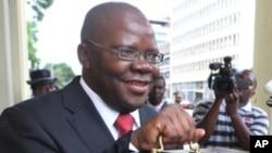 Zimbabwe's Finance Minster Tendai Biti (file photo)