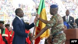 Patrice Talon (L) president du Benin