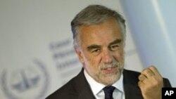 Le procureur de la CPI, Luis Moreno-Ocampo