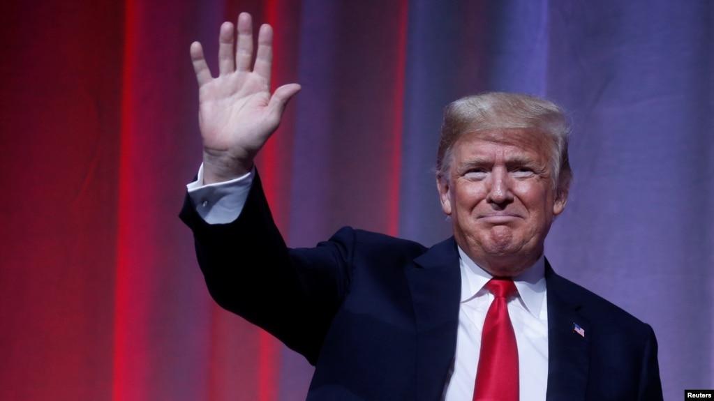 Трамп продолжает критиковать книгу Вудворда