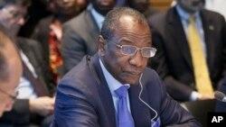 L'opposition guinéenne accuse le président Alpha Condé de chercher à disperses ses cadres avant l'élection présidentielle prévue en 2015 (AP)