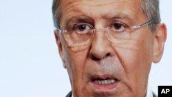 La afirmación del Canciller ruso Sergey Lavrov difiere de la descripción hecha sobre la reunión de los presidente de EE.UU. y Rusia por el secretario de Estado de Estados Unidos Rex Tillerson.