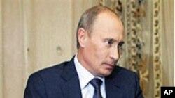 俄罗斯总理普京接受媒体采访(档案照片)