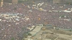 Watch related video of anti-Morsi protesters in Tahrir Square