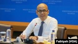 Juru bicara Kementerian Luar Negeri Indonesia, Arrmanatha Nasir (Foto:VOA/Fathiyah).