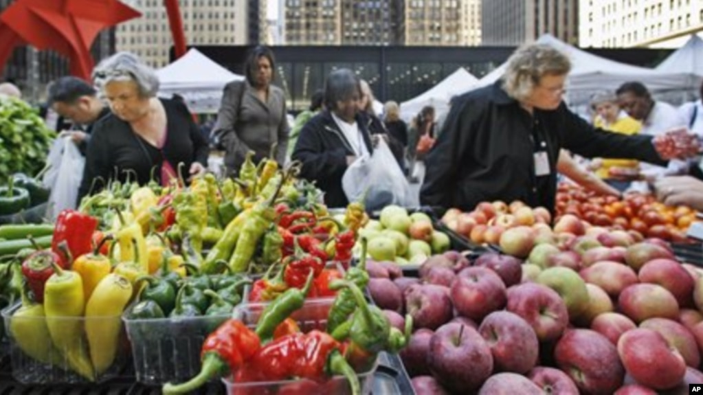 Fruits vegetables can lower blood pressure people buy fresh fruits and vegetables at an open air farmers market in downtown chicago altavistaventures Choice Image