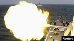지난 2014년 5월 중국 해군이 동중국해 상하이 인근에서 군사훈련을 하고 있다. (자료사진)
