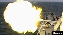 中国军舰实弹射击(资料照)