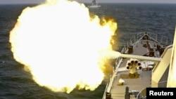 2014年5月24日中国和俄罗斯海军在东中国海演习 (资料照片)