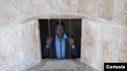 Sabalo Salazar faz homenagem aos 15 presos políticos em Angola.