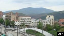 Plagoset një vajzë 3 vjeçare nga një shpërthim në pjesën veriore të Mitrovicës