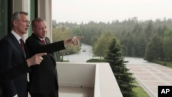 Türkiyə prezident Rəcəb Tayyib Ərdoğan, və NATO-nun baş katibi Yens Stoltenberq. 6 may, 2019.