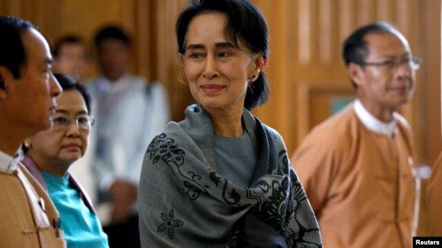 Bà Aung San Suu Kyi tại Quốc hội Liên bang ở Naypyitaw, Myanmar, ngày 28//2016.