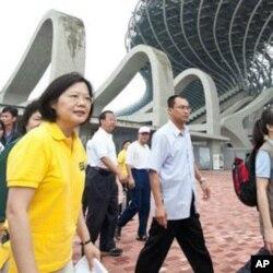 民进党主席蔡英文10月9日在高雄