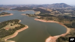 A general view of the Jaguari dam, which is part of the Cantareira System, responsible for providing water to the Sao Paulo metropolitan area, in Braganca Paulista, Brazil, Wednesday, Aug. 25, 2021. (AP Photo/Andre Penner)