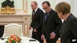 Vladimir Putin, François Hollande y Angela Merkel terminaron las conversaciones en Moscú sin resultados concretos.
