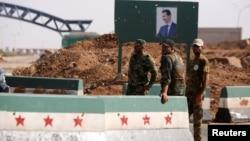 Pasukan Suriah terlihat di kota Deraa, dekat perbatasan dengan Yordania (foto: dok).